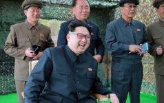 """Šiaurės Korėja B. Obamos vizitą Hirošimoje išvadino """"vaikišku"""""""