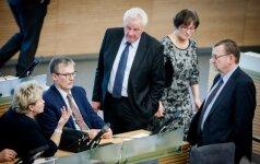 """Seimas balsuos dėl """"geltonosios kortelės"""" procedūros Briuseliui"""