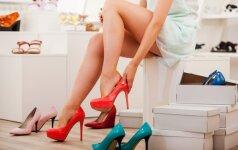 Gydytojas traumatologas įvertino moterų pomėgį avėti aukštakulnius