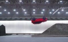 """""""Jaguar E-PACE"""" apsivertimo triukas pateko į rekordų knygą"""