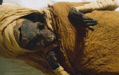 Prieš daugiau nei šimtmetį rastos mumifikuotos kojos yra vienos žymiausių Egipto karalienių
