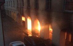 Vilniaus senamiestyje liepsnos apgadino Oginskių rūmus