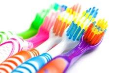 Dienos patarimas: dantų šepetukas padės nuvalyti net ir sunkiausiai pasiekiamus paviršius
