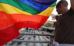 Homoseksualumo priežastis – laimės trūkumas?
