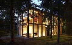 Jaukus, ekologiškas ir ekonomiškas namas miške