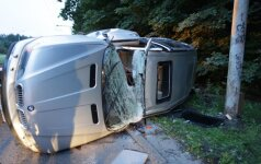 """""""BMW X5"""" sumaitotas, visiškai girtas jaunuolis tvirtina nevairavęs"""