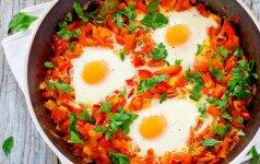 Įmuškite keletą kiaušinių į pomidorų masę ir ragausite skaniausius pusryčius pasaulyje!