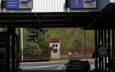 Lenkija imasi atsargumo priemonių: laikinai atnaujins pasienio tikrinimus