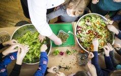Vaikai šiltnamiuose bus mokomi auginti daržoves