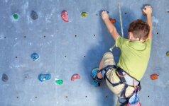 Aštuonmetė išbandė laipiojimo uolomis pramogą: gimnastiką teks pamiršti visiems laikams