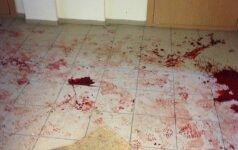 Panevėžyje, namo koridoriuje, rastas vyras peršauta galva