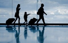 MI+Airport+people+luggage+bags+walking+getty