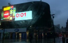 Pirmą kartą po II pasaulinio karo užgesinta virš Pikadilio aikštės Londone švietusi reklama