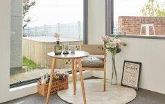 Balkonai iš sandėliukų virsta poilsio oazėmis: 3 patarimai, kaip susikurti jaukią aplinką