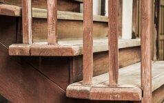 Girgždantys laiptai: pagrindiniai principai kaip tai spręsti