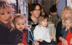 PUGAČIOVOS IR GALKINO DVYNIAI – mažos tėvų kopijos, 2 metų jau kalba prancūziškai ir turi savo biblioteką FOTO