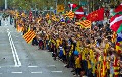 Katalonijos parlamentas forsuoja atsiskyrimą nuo Ispanijos