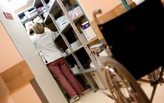 Farmacininkai skelbia kiek dirba su medikais