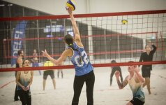 Pirmą kartą Lietuvoje mėgėjų paplūdimio tinklinio turnyras DELFI sporto centre