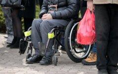 Darbo grupė tobulins neįgaliesiems padedančių asistentų veiklą