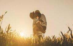 Astrologė intriguoja: šiuo laikotarpiu išaugs seksualumas ir gyvuliška žmogaus prigimtis