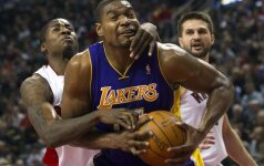 """NBA lygoje """"Raptors"""" klubas apmaudžiai pralaimėjo """"Lakers"""" ekipai"""