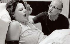Kodėl moterys nebenori gimdyti vienos: psichologės komentaras