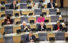 Seimas linkęs metams atidėti reikalavimą išsiregistruoti iš savivaldybių