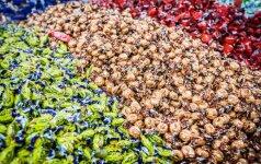 Iš rinkos surenkami netinkamai paženklinti ukrainietiški saldainiai