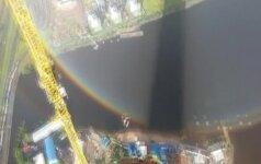 Sankt Peterburge nufilmuotas retas meteorologinis reiškinys - žiedo formos vaivorykštė