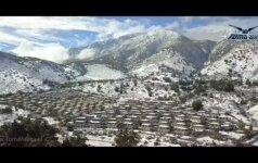 Bepilotis nufilmavo neįprastą vaizdą – sniegą vidurio Čilėje