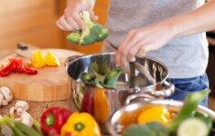 Kokias daržoves sveikiau valgyti virtas nei žalias?
