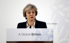 """Th. May paskelbė """"Brexit"""" planą"""