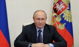 """Putinas per sekmadieninį paradą žodžių nerinko: grasino """"mirtinais"""" smūgiais"""