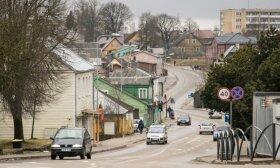 Dėl COVID-19 plitimo Plungės rajone uždraudžiami renginiai, susibūrimai, ligonių lankymas