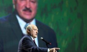 Baltarusijos prezidentas Aleksandras Lukašenka kalba moterų sąjungos forume Minske, Baltarusijoje, 2020 m. Rugsėjo 17 d.