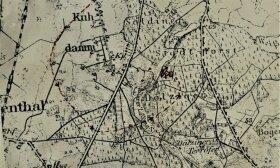 Raudonai pažymėtas paskutinis menamas lankstas ir katastrofos vieta; vokiečių Pranešimo priedų paketas iš neskelbiamo archyvo / G. K. Sviderskytės nuotr.