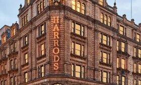 """Pirmą kartą savo istorijoje, kuri prasideda 1849 m., """"Harrods"""" atidaro išparduotuvę"""