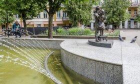 Detektyvas Panevėžyje: ieško prieš dešimtmetį į fontaną įkastos kapsulės