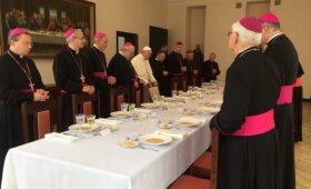 Popiežius Pranciškus ruošiasi pietauti Kaune