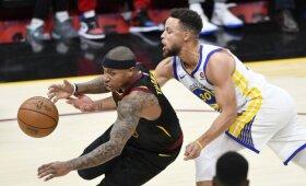 """NBA naktis: viso pasaulio gerbėjų dėmesį prikaustęs """"Cavaliers"""" ir """"Warriors"""" mūšis"""