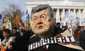 Prie Ukrainos Rados vyksta protestas, pranešama apie sužeistuosius