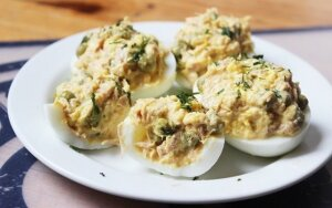 Tunu įdaryti kiaušiniai