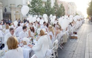 Vakarienė baltai