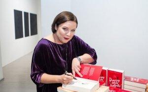"""Rašytoja Erika Umbrasaitė pristato knygą """"Prancūzija Mon amour"""""""