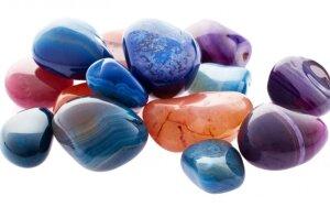 Koks akmuo Zodiako ženklui neš sėkmę, apsaugos nuo neigiamos energijos