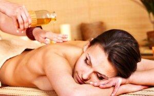 Laimėkite viso kūno masažą su eterinių aliejų mišiniu. 3 prizai