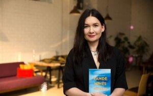 7 vaikų mama tinklaraštininkė Sabina Daukantaitė pristatė netradicinio žanro knygą