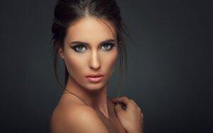 Modeliuok veidą ir būk pasiruošusi asmenukei bet kuriuo kampu! Laimėtojai