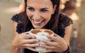Papildomas kavos puodelis kiekvieną dieną moters gyvenimo trukmę gali pailginti vidutiniškai vienu mėnesiu
